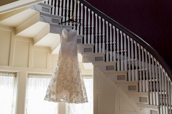 pittsburgh-pennysylvania-black-and-white-real-wedding-5
