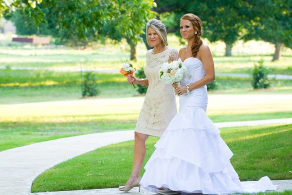 rustic-summer-azle-texas-real-wedding-19