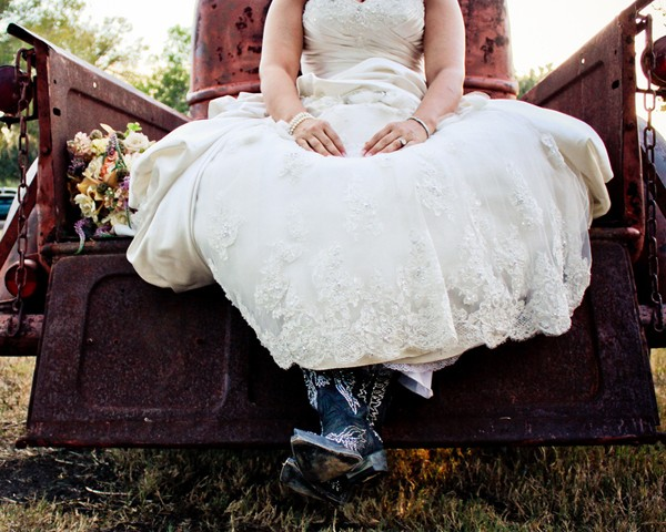 rustic-vintage-mathis-texas-real-wedding-15
