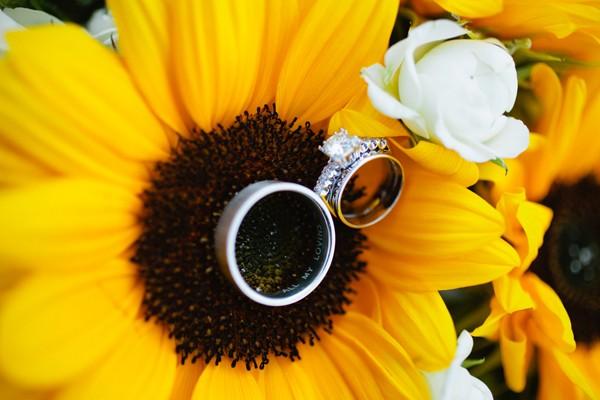 summer-sunflower-missoula-montana-real-wedding-18