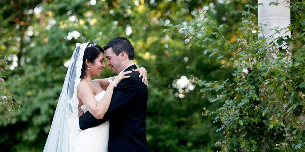 the-estate-at-florentine-gardens-river-vale-new-jersey-real-wedding-15