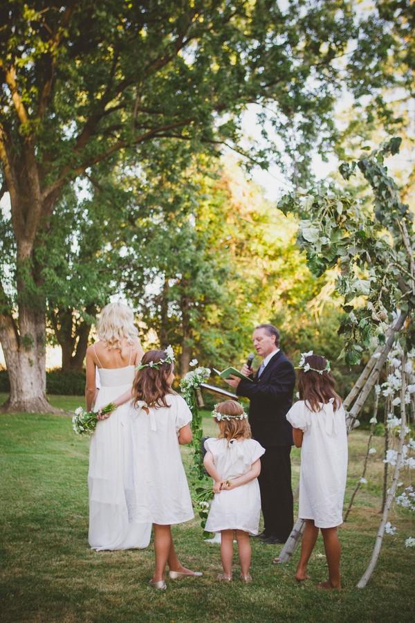 washington-vintage-jcrew-white-diy-real-wedding-2
