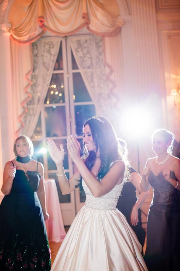 rosecliff-mansion-newport-rhode-island-real-weddings-30
