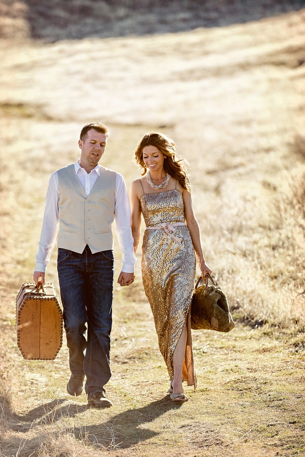 the-journey-suitcases-california-styled-engagement-session-12