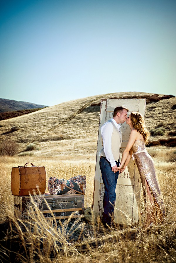 the-journey-suitcases-california-styled-engagement-session-8