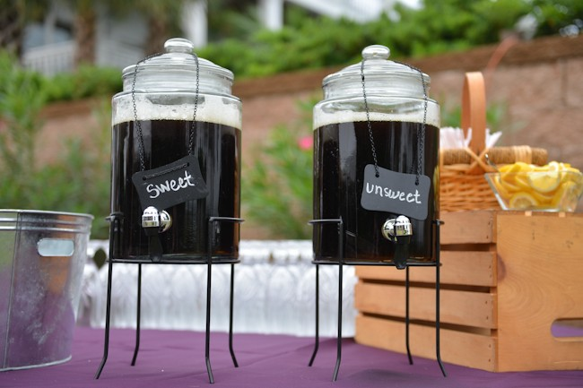 sweet tea stand at wedding