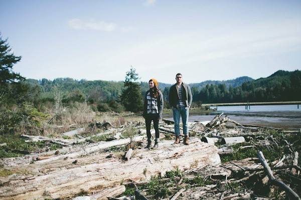 unique-rustic-florance-oregon-engagement-photo-ideas-2