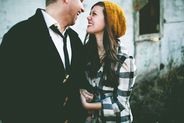 unique-rustic-florance-oregon-engagement-photo-ideas-7