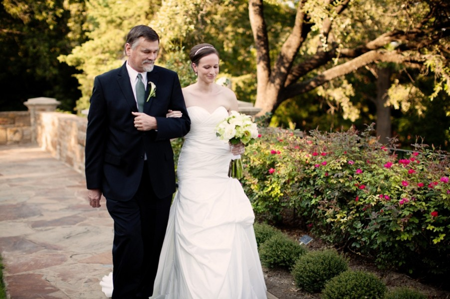 fort-worth-botanical-gardens-texas-real-weddings-trendy-bride-22