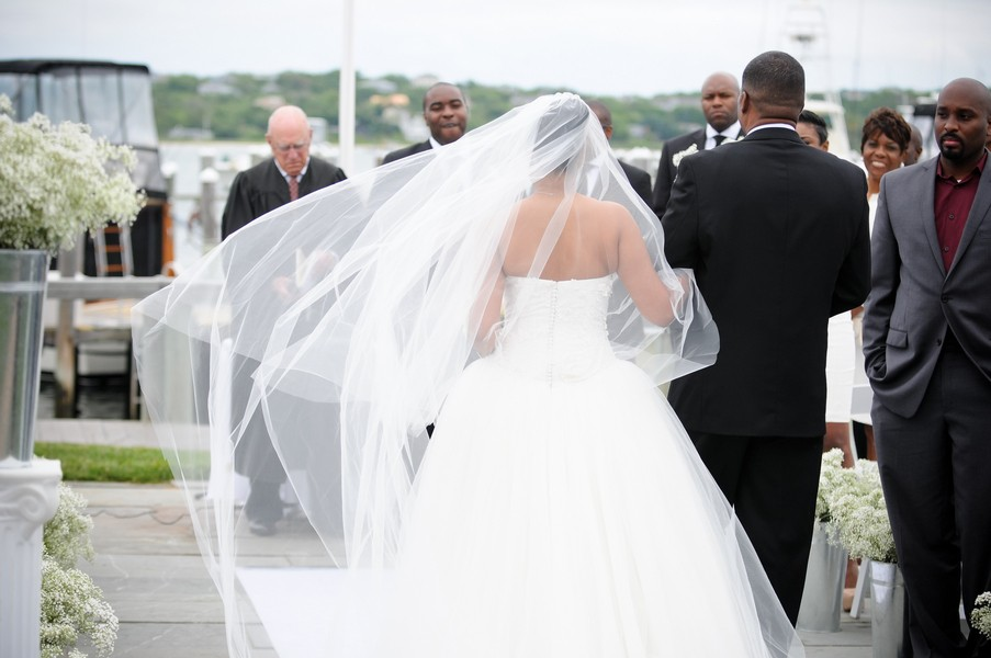 montauk-new-york-african-american-real-wedding-trendy-bride-25