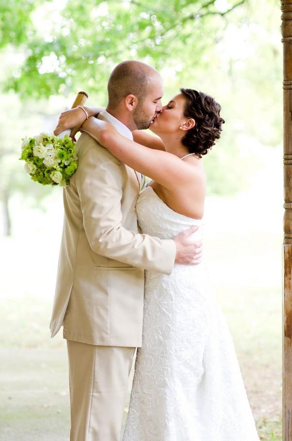 rustic-walsh-university-hoover-park-ohio-real-weddings-15