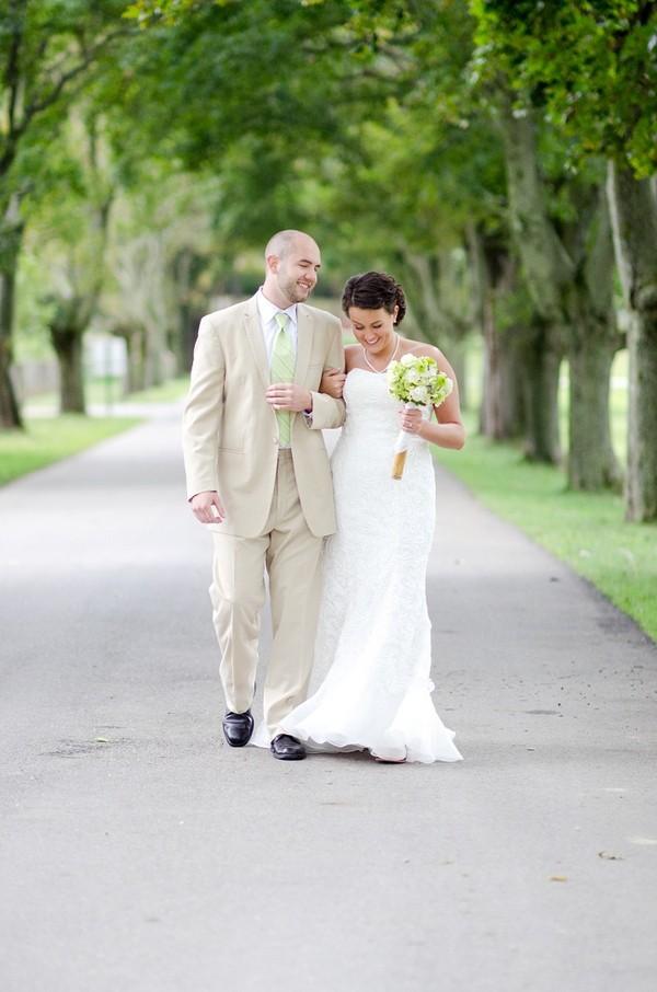 rustic-walsh-university-hoover-park-ohio-real-weddings-17