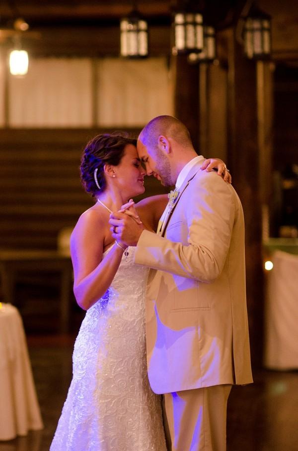 rustic-walsh-university-hoover-park-ohio-real-weddings-30