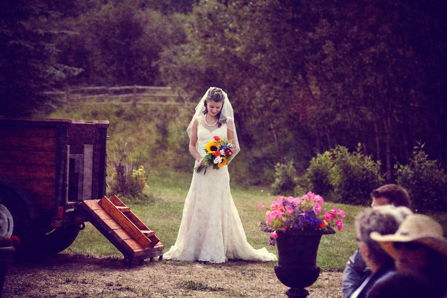 western-alberta-canada-country-rustic-real-weddings-14