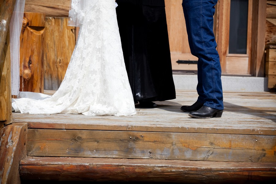 western-alberta-canada-country-rustic-real-weddings-16