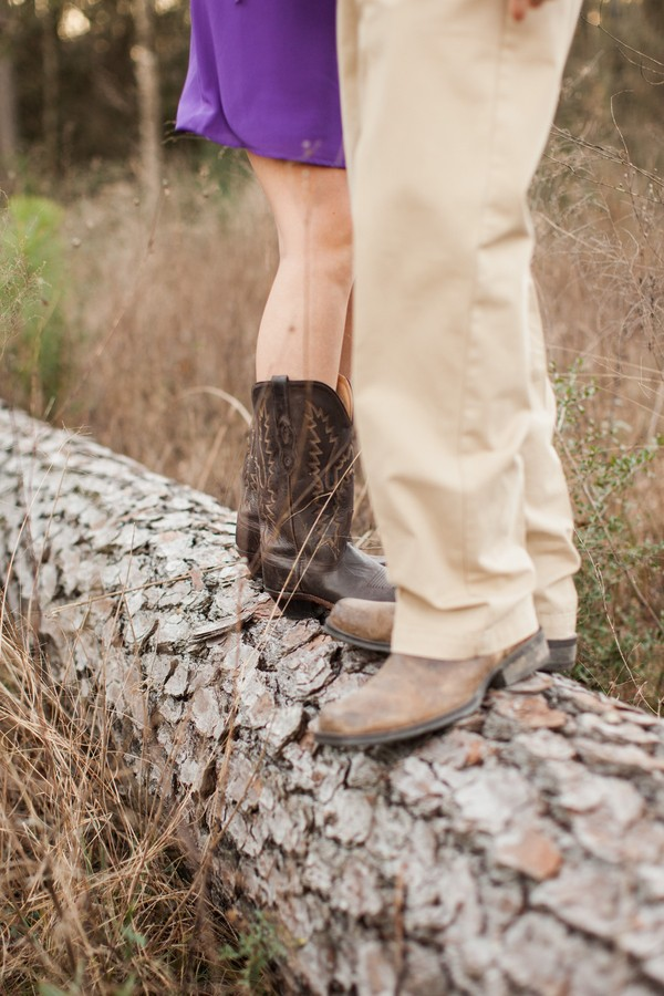 Cute-Outdoor-Texas-Engagement-Session-8
