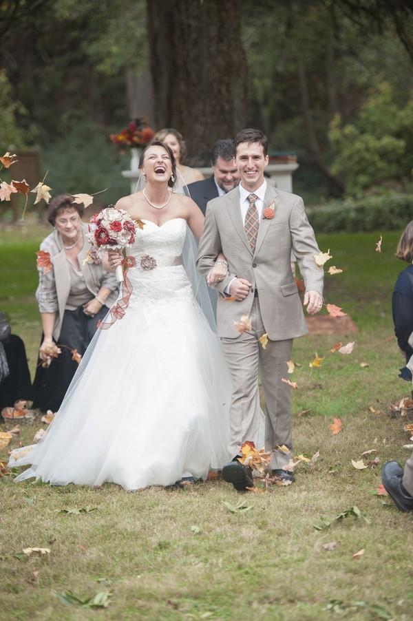 autumn-rustic-ferguson-north-carolina-real-wedding-15