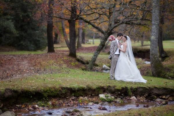 autumn-rustic-ferguson-north-carolina-real-wedding-17