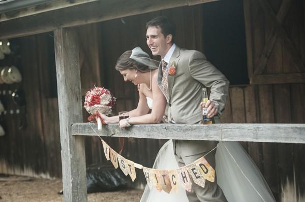 autumn-rustic-ferguson-north-carolina-real-wedding-25