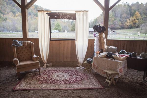 autumn-rustic-ferguson-north-carolina-real-wedding-27