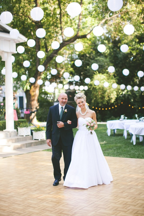 diy-vintage-chic-redding-california-real-wedding--23