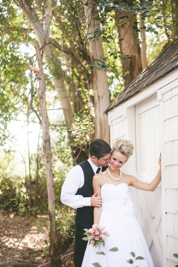 diy-vintage-chic-redding-california-real-wedding--7