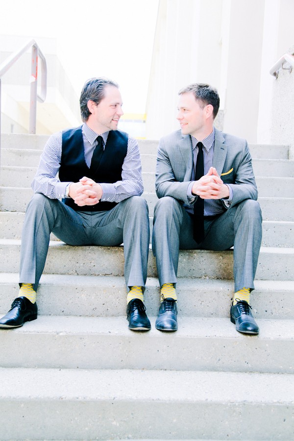 modern-edmonton-alberta-canada-real-weddings-11