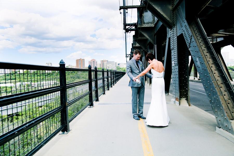 modern-edmonton-alberta-canada-real-weddings-5