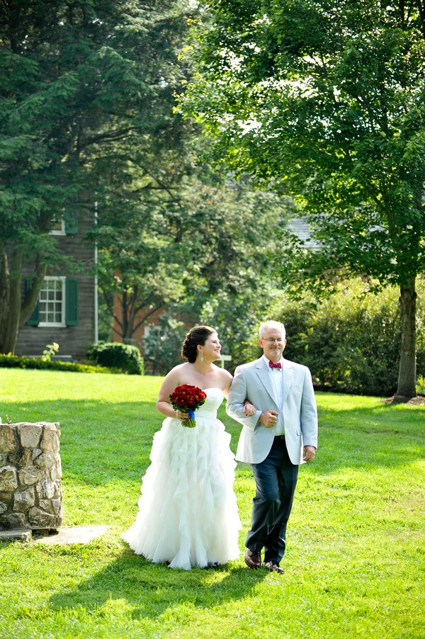 rustic-union-mills-maryland-real-wedding-trendy-bride-12