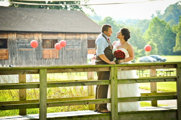 rustic-union-mills-maryland-real-wedding-trendy-bride-15