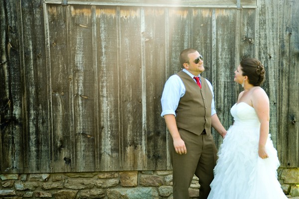 rustic-union-mills-maryland-real-wedding-trendy-bride-2