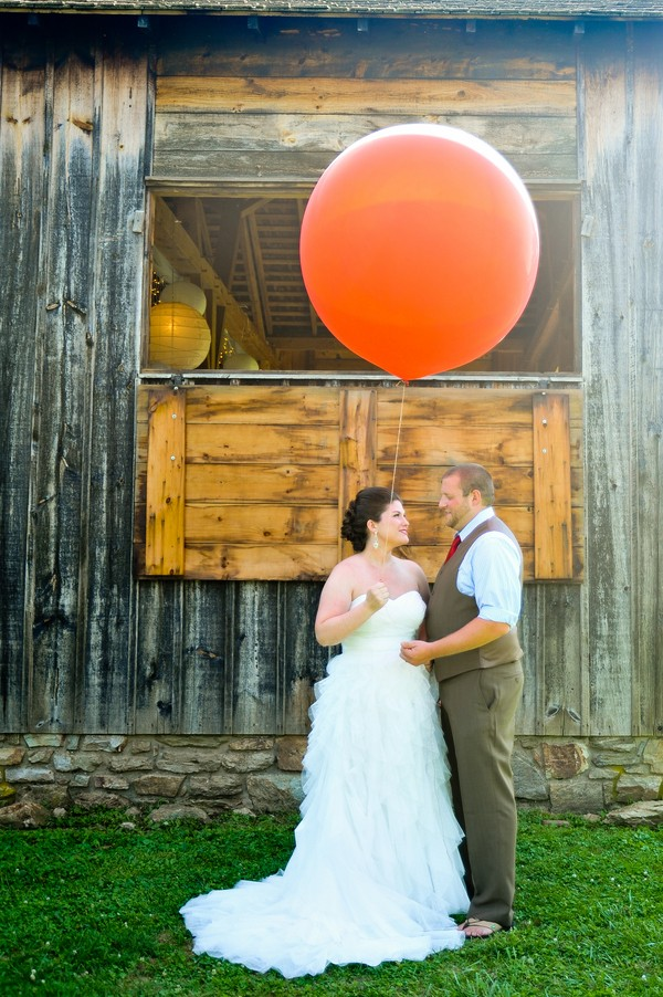 rustic-union-mills-maryland-real-wedding-trendy-bride-3