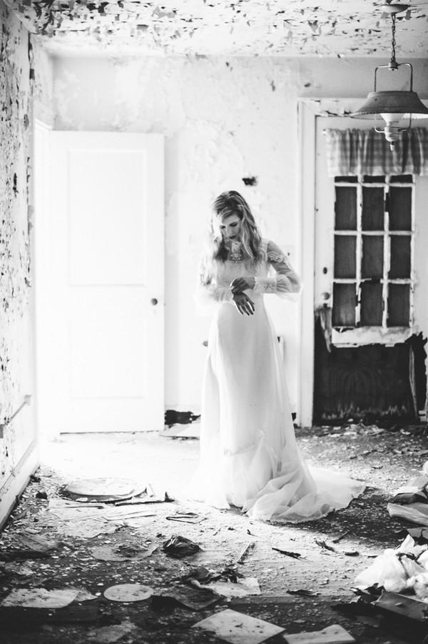 vintage-bridal-shoot-PA-trendy-bride