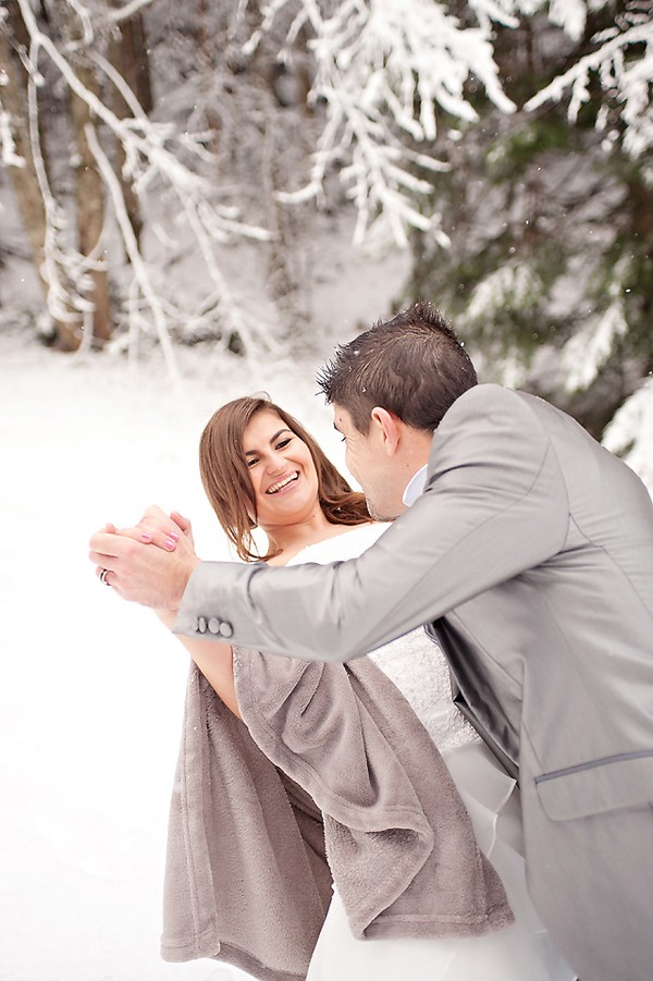 -winter-wedding-shoot-france-trendy-bride