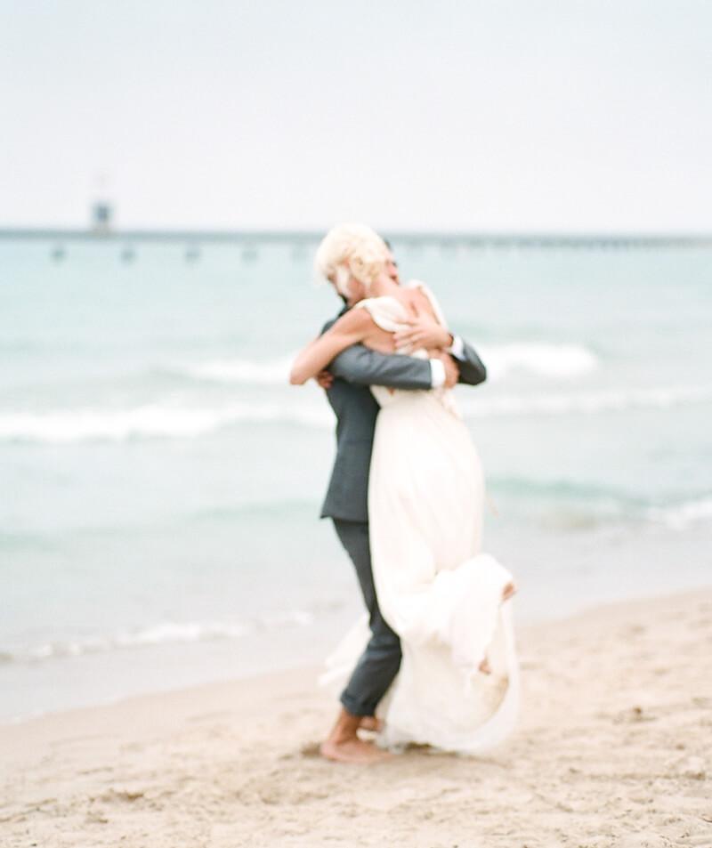 chicago-lakeside-wedding-inspiration-fine-art-8.jpg