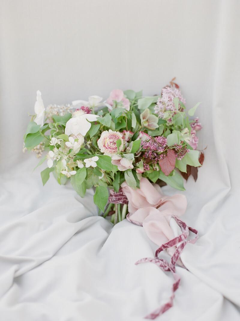if-a-florist-weds-styled-shoot-fine-art-film-3.jpg