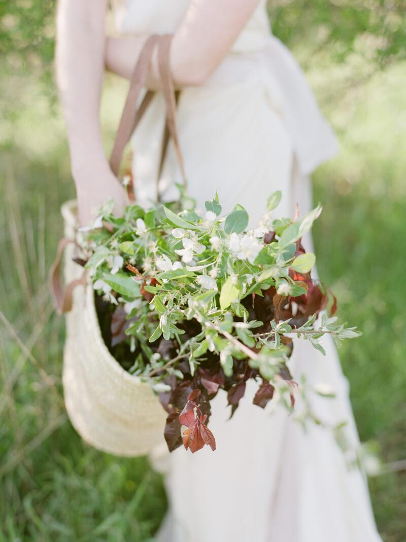 if-a-florist-weds-styled-shoot-fine-art-film-11.jpg