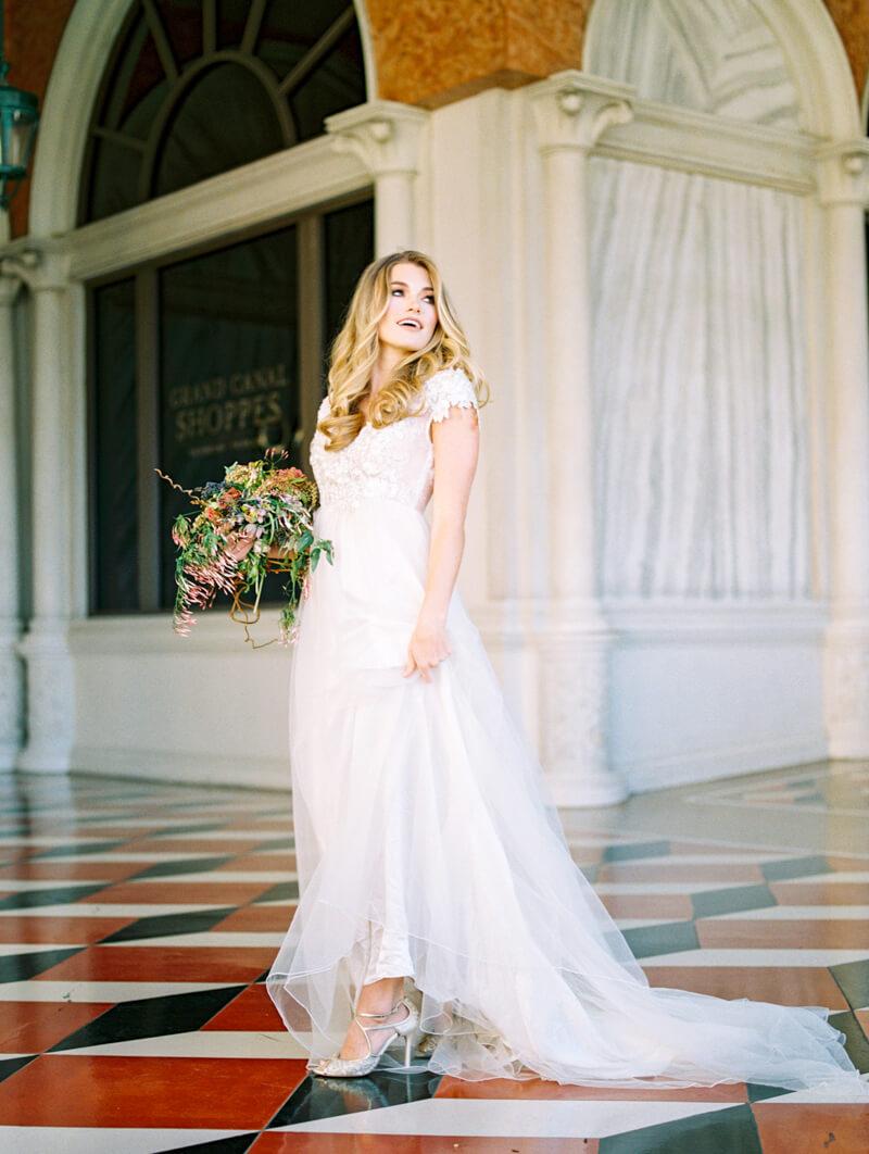 the-venetian-bridal-portraits-las-vegas-fine-art-18.jpg