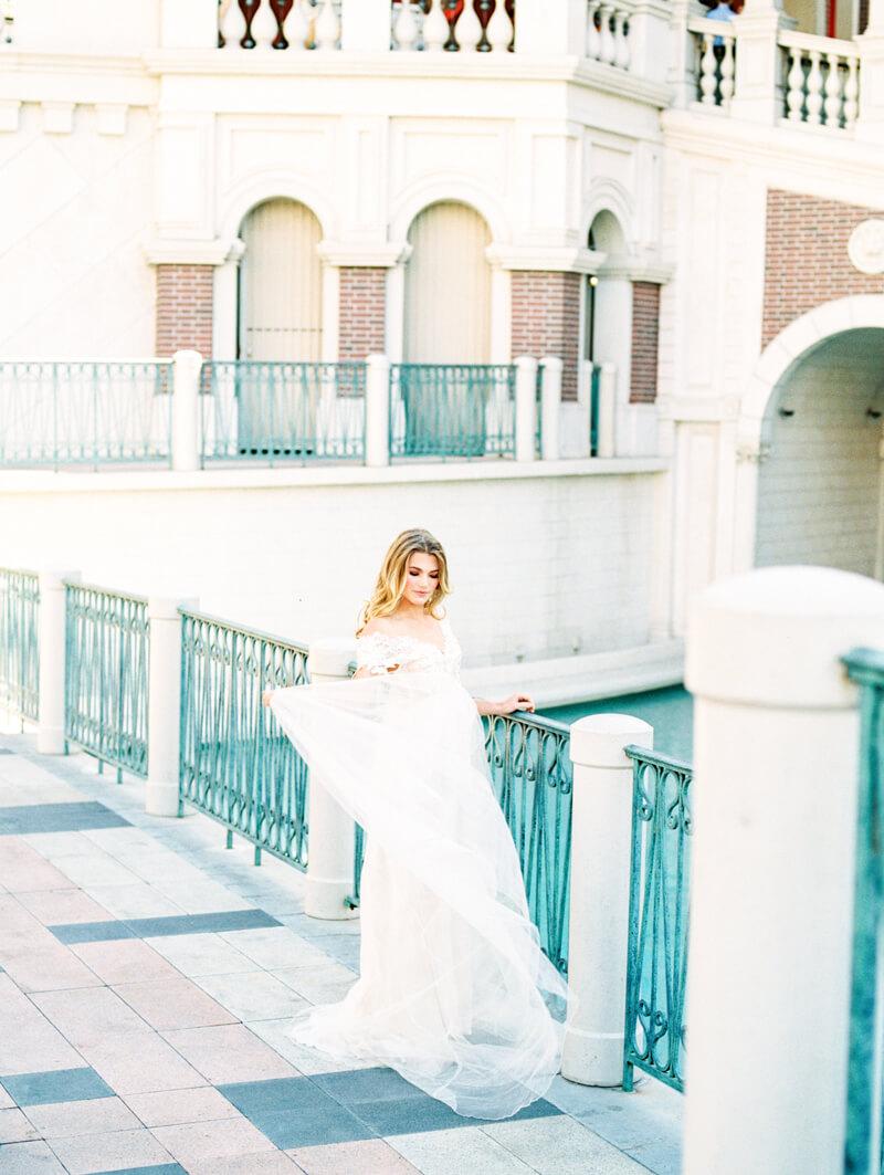the-venetian-bridal-portraits-las-vegas-fine-art-20.jpg
