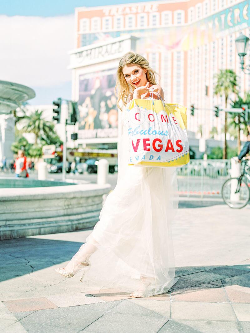 the-venetian-bridal-portraits-las-vegas-fine-art-13.jpg