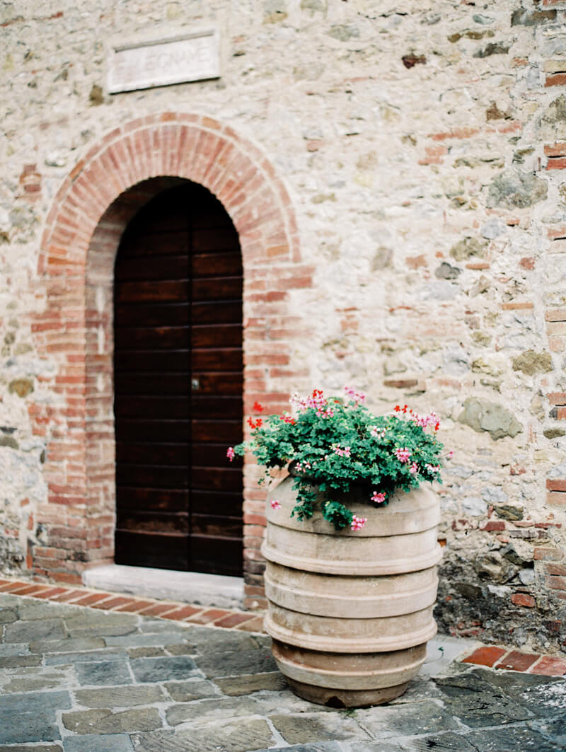 romantic-boho-tuscan-elopement-fine-art-film-2.jpg