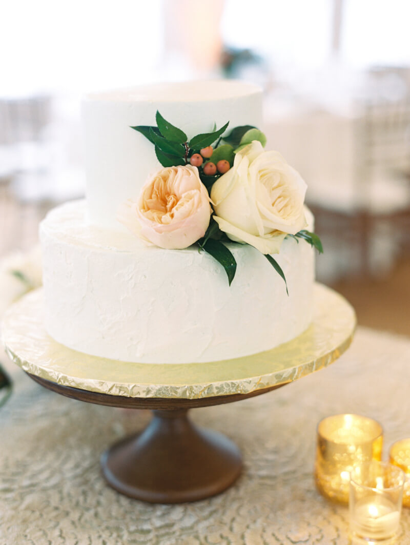two-tier-wedding-cakes-7.jpg