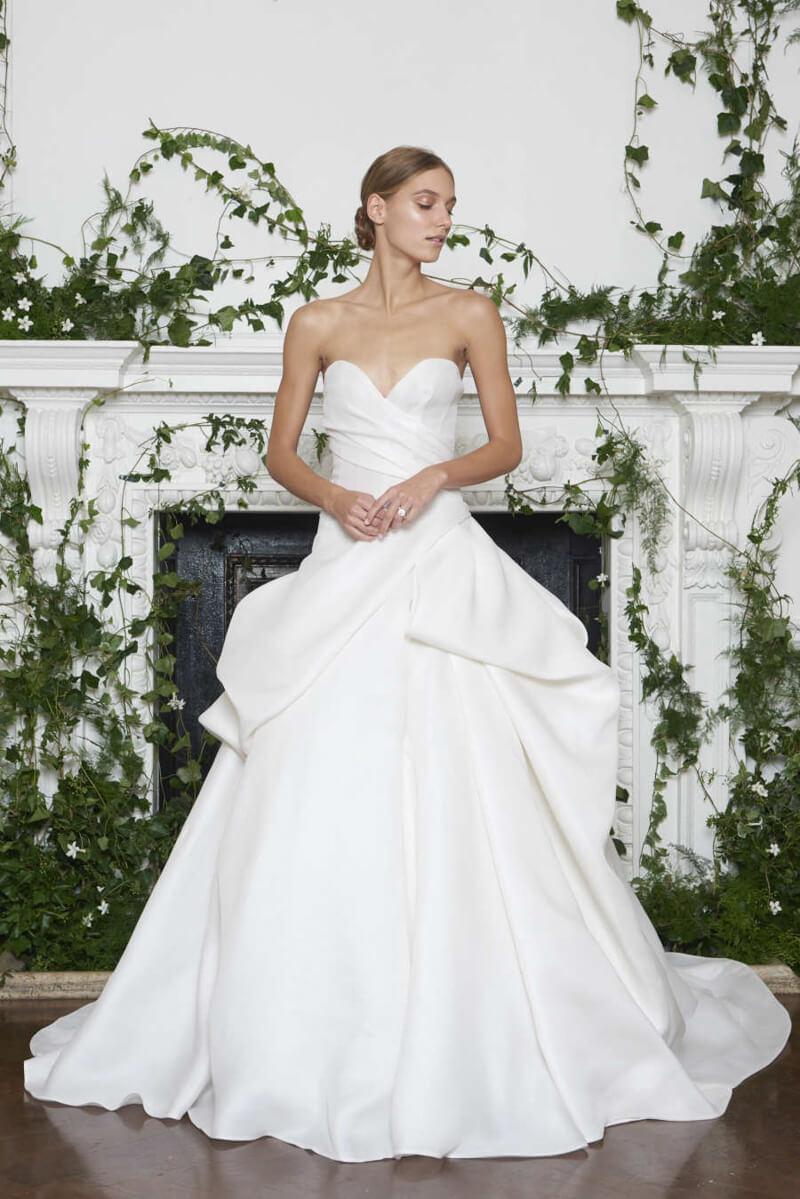 monique-lhuillier-fall-2018-wedding-dresses-8.jpg