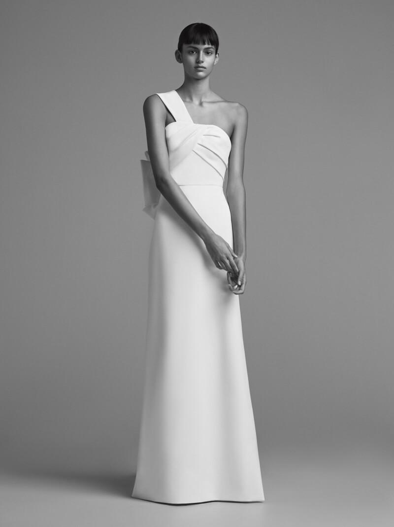 viktor-and-rolf-fall-2018-wedding-dresses-3.jpg