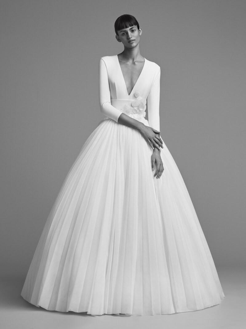 viktor-and-rolf-fall-2018-wedding-dresses-6.jpg