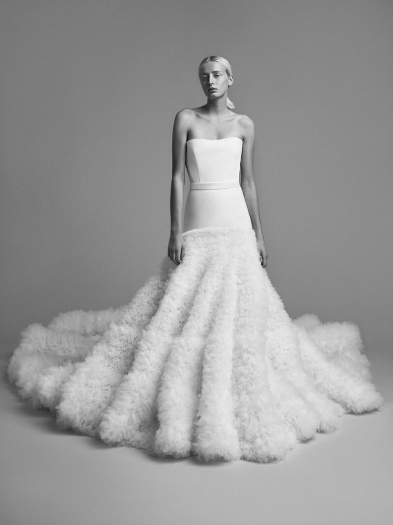 viktor-and-rolf-fall-2018-wedding-dresses-7.jpg