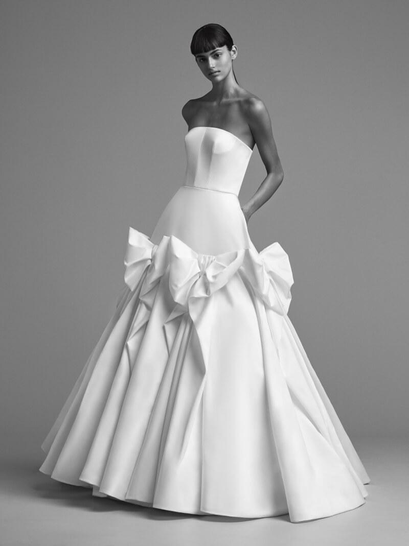 viktor-and-rolf-fall-2018-wedding-dresses-9.jpg