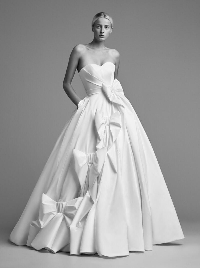 viktor-and-rolf-fall-2018-wedding-dresses-8.jpg