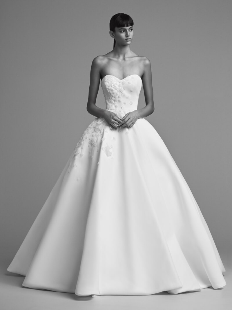viktor-and-rolf-fall-2018-wedding-dresses-5.jpg