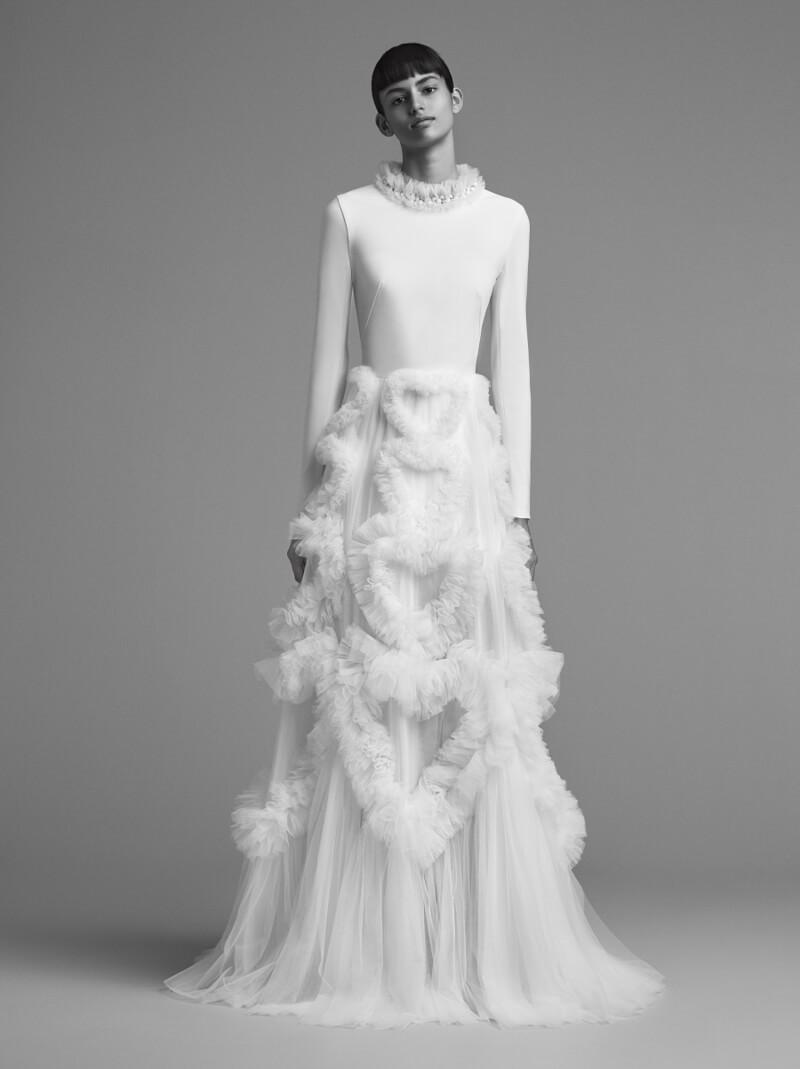 viktor-and-rolf-fall-2018-wedding-dresses-2.jpg